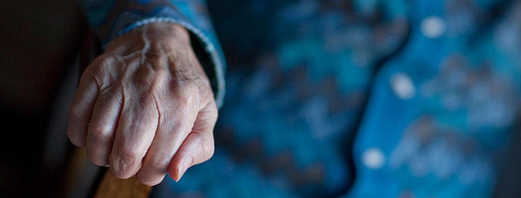 Mourir à domicile : l'Observatoire de la fin de vie dénonce les freins du système